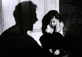 آسیب های دوران کودکی، به سختی فراموش میشوند.