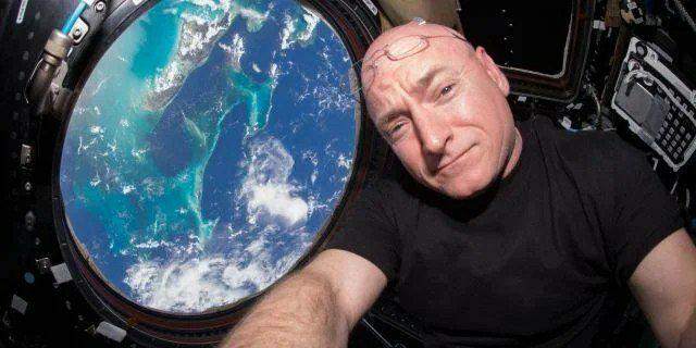این مرد آمریکایی رکورد بیشترین زمان حضور در فضا رو داره