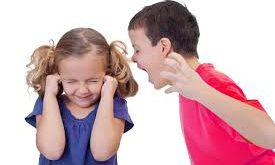اولین عاملی که بچه ها کلمات زشت را زود یاد می گیرند و بکار میبرند، نو بودن آن کلمات است.