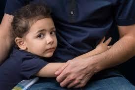 اگر فرزند شما، وابستگی افراطی به شما دارد، علت را بايد در شيوه فرزند پروری خودتان جستجو كرد؛