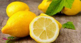 یک لیمو را برش دهید و به مدت 1 ساعت در آب قرار دهید