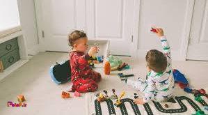 اسباب بازی نقش بسیار مهمی در رشد ذهنی بچه دارد