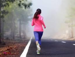 دویدن، اصلا از نوع حرکت این ورزش مشخص است که هر یک قدم آن چقدر کالری مصرف میکند.