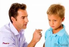 والدینی که با پاسخ کوتاه فرزند را مجبور می کنند از آنها اطاعت کند،