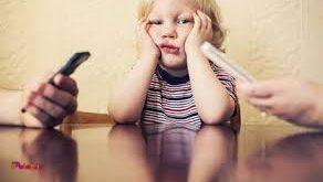 برخی از پدر و مادرها طوری از فرزندانشان مراقبت و مواظبت میکنند و به صورتی با آنها برخورد میکنند که انگار آنها در مرحله خطر یا در شرایط بسیار بدی قرار دارند.
