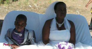 ازدواج زن ۶۲ ساله با پسر ۹ ساله!