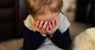 آیا میدانستید یکی از اصلی ترین دلایل خجالتی شدن فرزندانتان خود شما هستید.