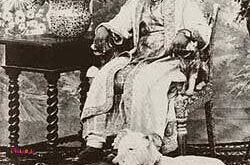 محمد مهابت خان سوم، آخرین حاکم نواب جوناگاد در هند تحت سلطه انگلستان بودند.