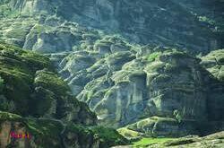 مخملکوه، نام رشته کوهی مشرف به شهر خرم آباد می باشد.