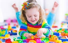 جیغ زدن بچهها در سنین مختلف چه دلایلی دارد؟