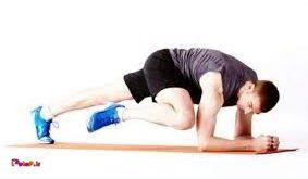 بعد از گرم کردن کامل بدن حرکات کششی را انجام دهید.