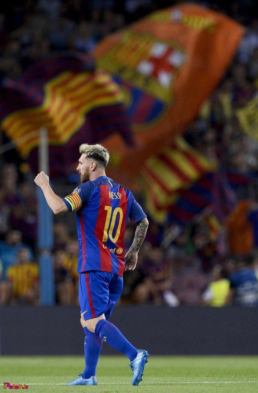 لیونل مسی که ۲۱ سال پیش اولین قرارداد رسمیشو روی یک دستمال کاغذی با بارسلونا بست، حالا هیچ قراردادی با این باشگاه نداره و بازیکن آزاد محسوب میشه.