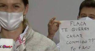 مربی تیم ملی شمشیربازی آرژانتین لحظاتی بعد از حذف شاگردش ماریا پرز مائوریس از دور مسابقات، از او خواستگاری کرد.