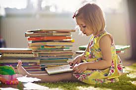 باید به کودکان فرصتی داد تا کتابی را که خوانده اند برای بقیه تعریف کنند.