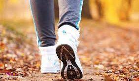 پیاده روی که تمام مدت با گامهای یکنواخت انجام شود کالری کمتری مصرف می کند.
